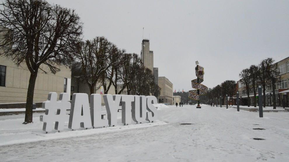 Remiantis Lietuvos statistikos departamento duomenimis, 2018 metais Alytuje gyvena mažiau gyventojų nei 2017 metais.